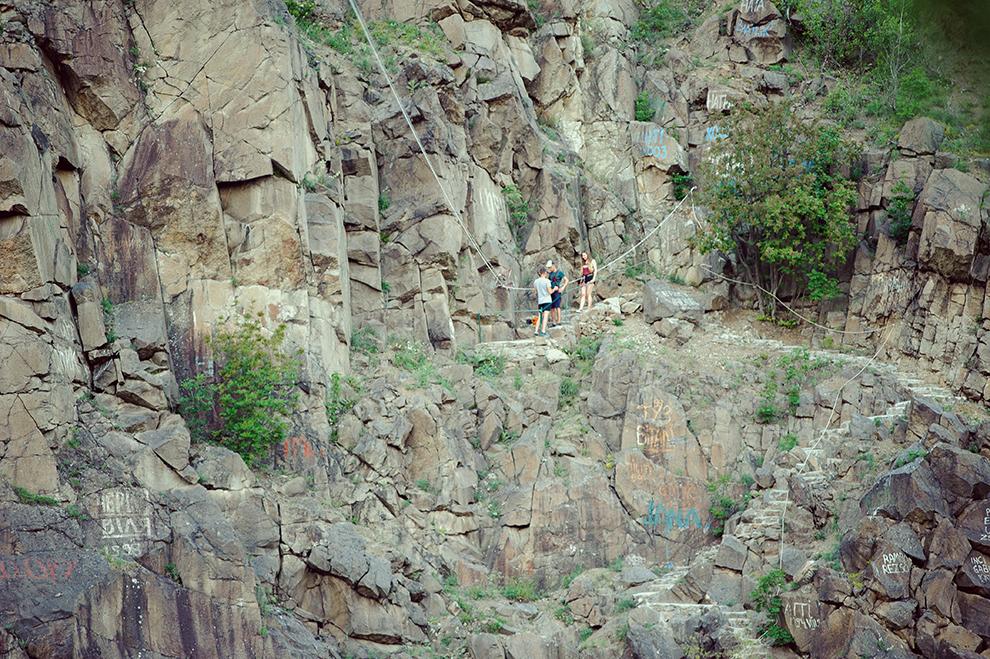 """Канатна дорога на територіх розважально-готельного комплексу """"Чорна Гора"""""""