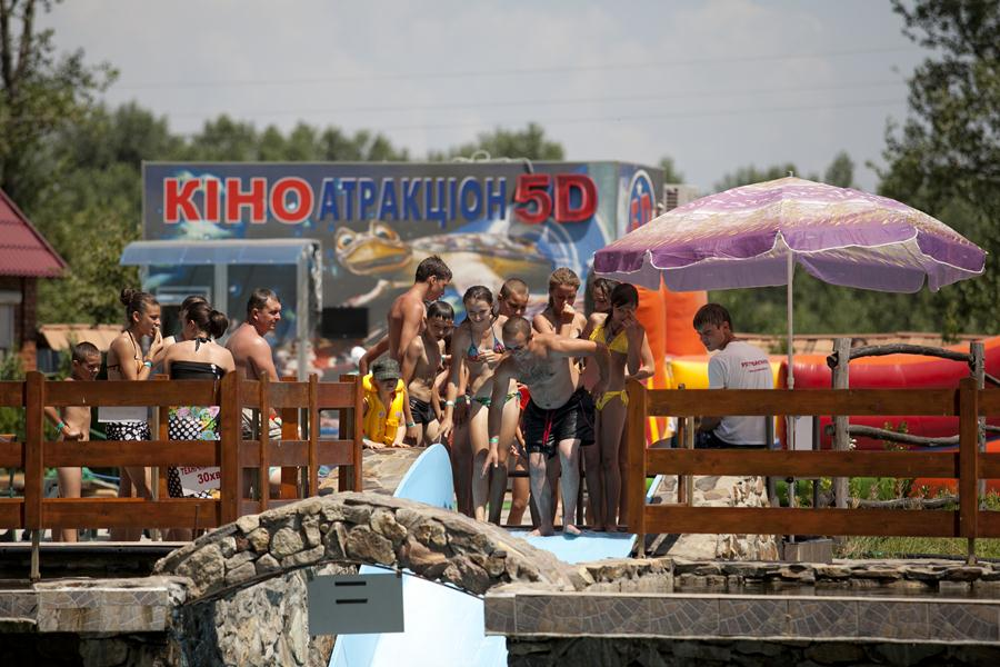 """Розваги на території розважально-готельного комплексу """"Чорна Гора"""""""