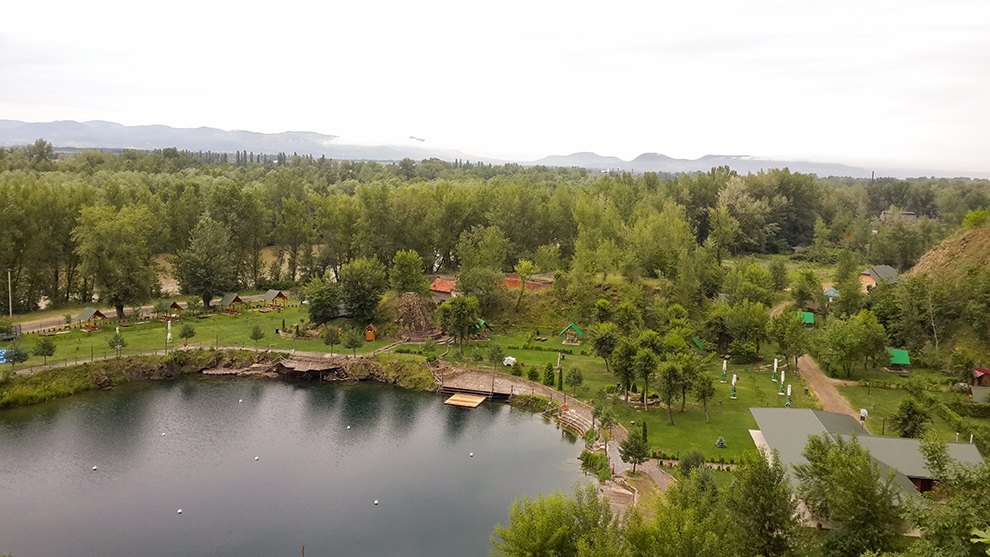 """Розважально-готельний комплекс """"Чорна Гора"""" з висоти пташиного польоту"""