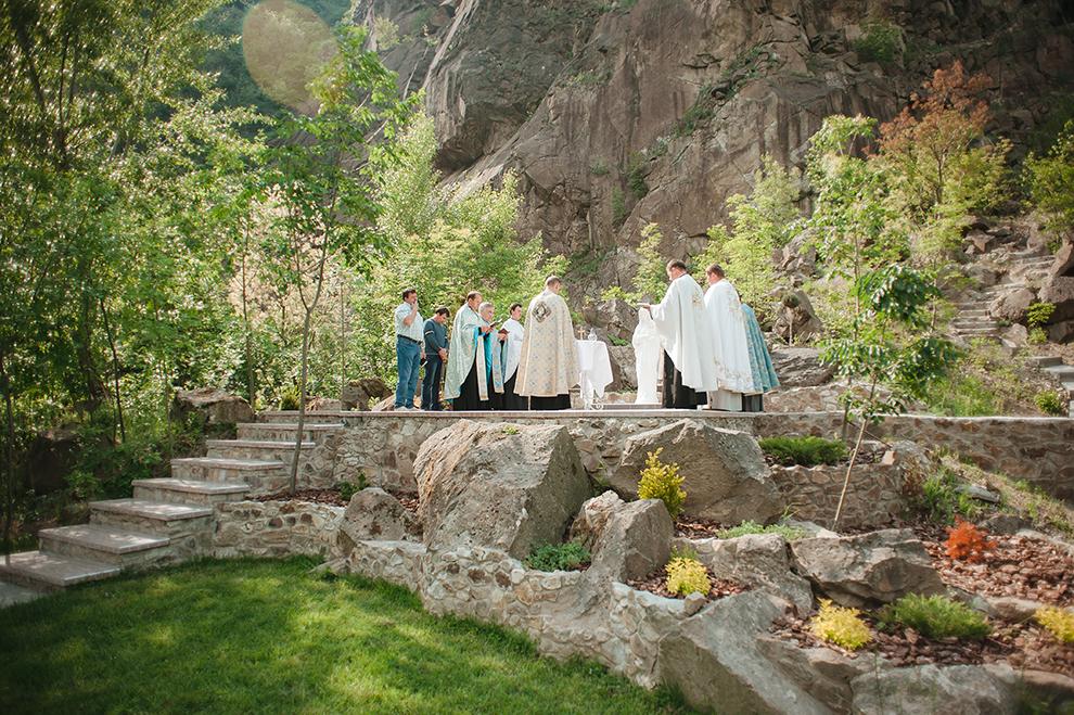 "Освячення статуї присвятої Богородиці на території розважально-готельного комплексу ""Чорна Гора"""